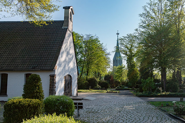 friedhof kirche katholisch weckhoven