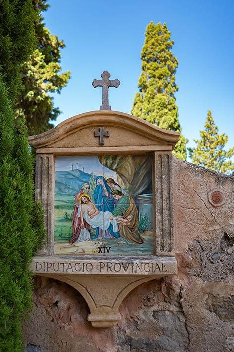 kreuzgang tor mallorca deia friedhof bestattungshaus anna lutter neuss bestattungen bestatter