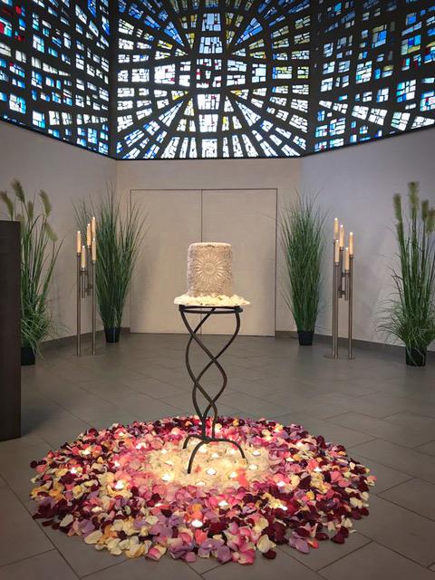 dekoration urnenbeisetzung
